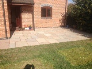 indian-stone-paved-patio-with-geofix-pointing-300x225
